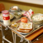 昭和の頃の学校給食&机と椅子