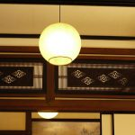 光や風に表情を与える小さな窓「欄間」