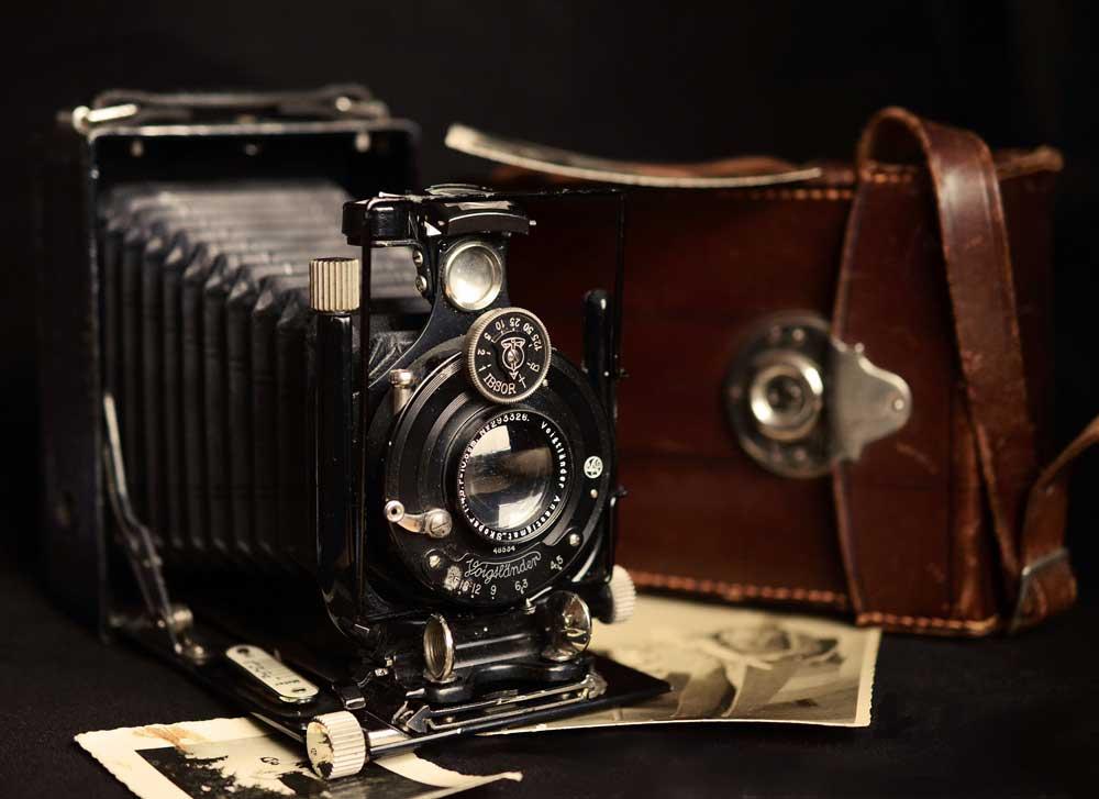 蛇腹式のカメラ