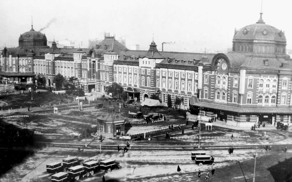 1914年(大正3年)の東京駅
