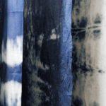 藍で染めた木綿