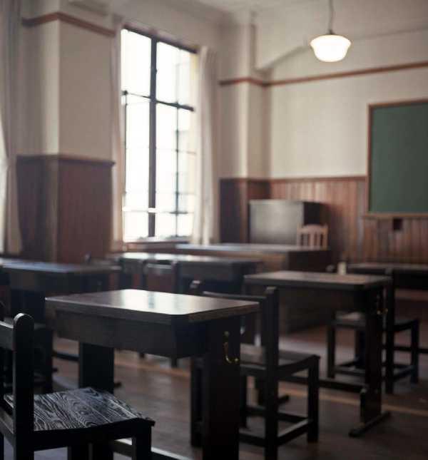 木造校舎の学校