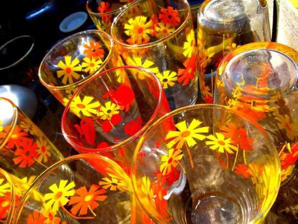 昭和の花柄コップ