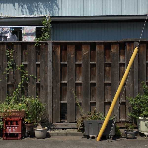 昭和な板塀