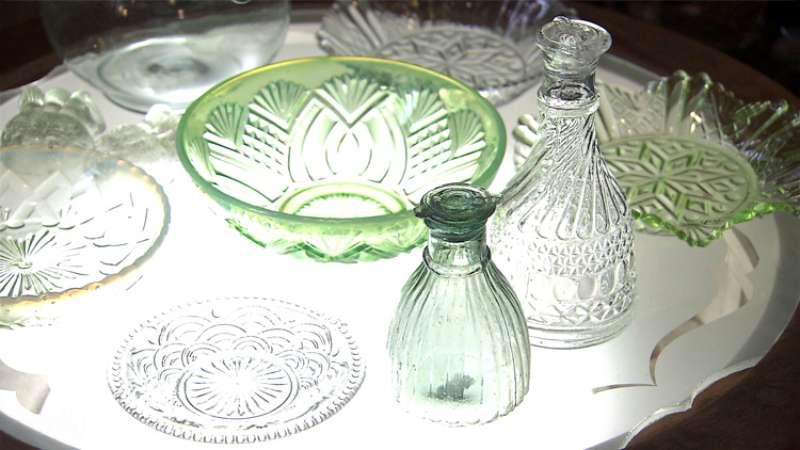 様々な紋様の和ガラス
