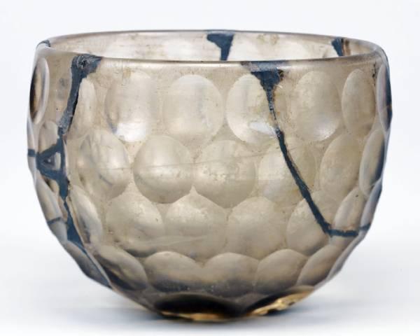 白瑠璃碗(るりのわん)